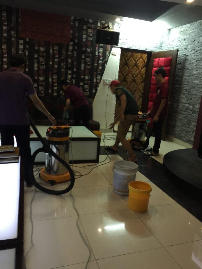 Dịch vụ giặt ghế sofa karaoke