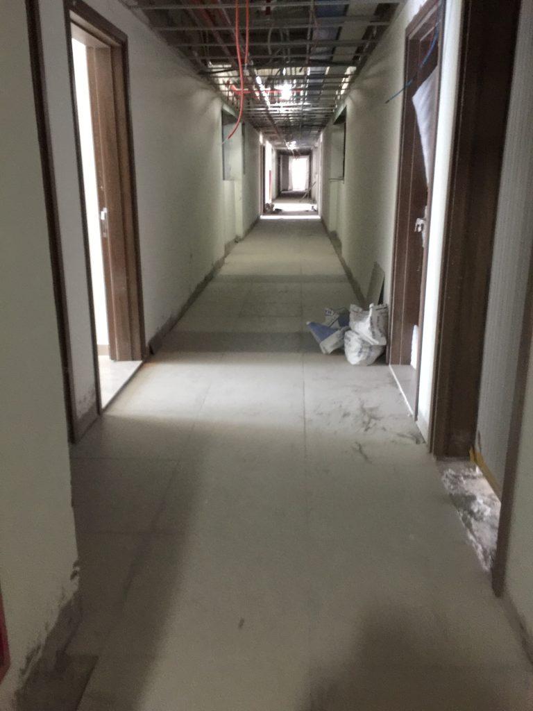 thực hiện vệ sinh nhà cửa sau xâydựng